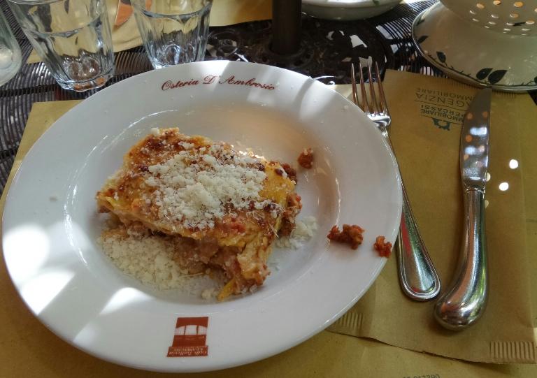 где поесть в Бергамо, где покушать в Бергамо, где недорого поесть в Бергамо, лазанья Бергамо