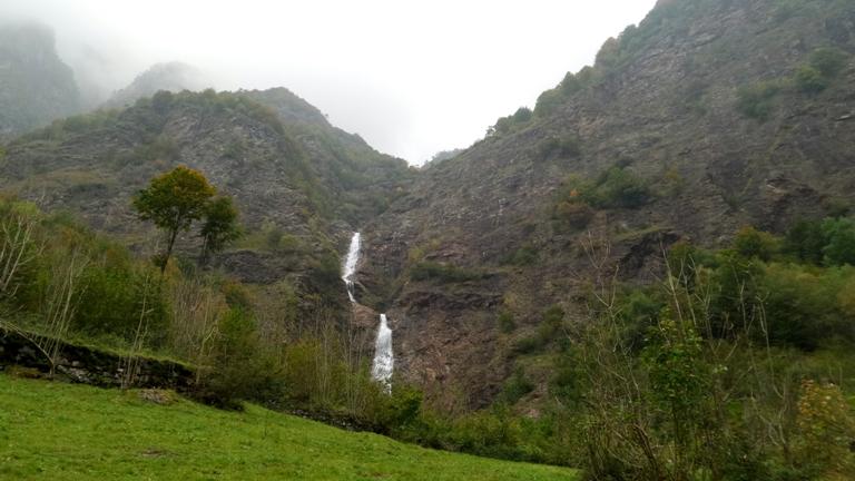 водопад Серио, самый высокий водопад в Италии, что посмотреть в окрестностях Бергамо