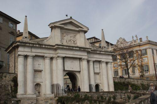 достопримечательности Бергамо, крепостные ворота Бергамо, что посмотреть в Бергамо, крепостные ворота Бергамо